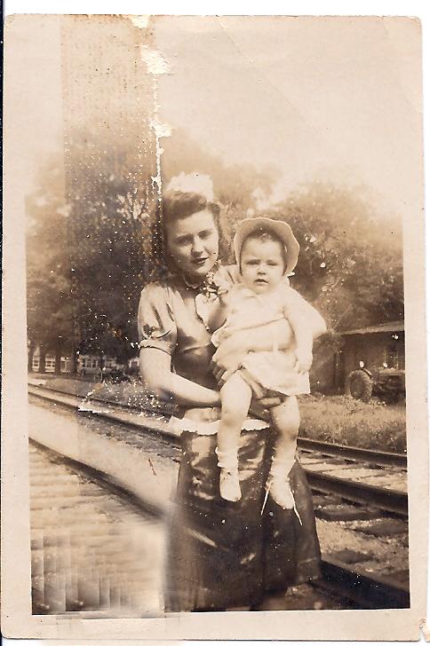 Reba Box Peebles and daughter Brenda