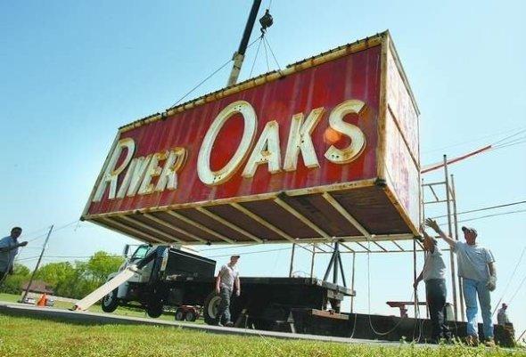 River Oaks Sign