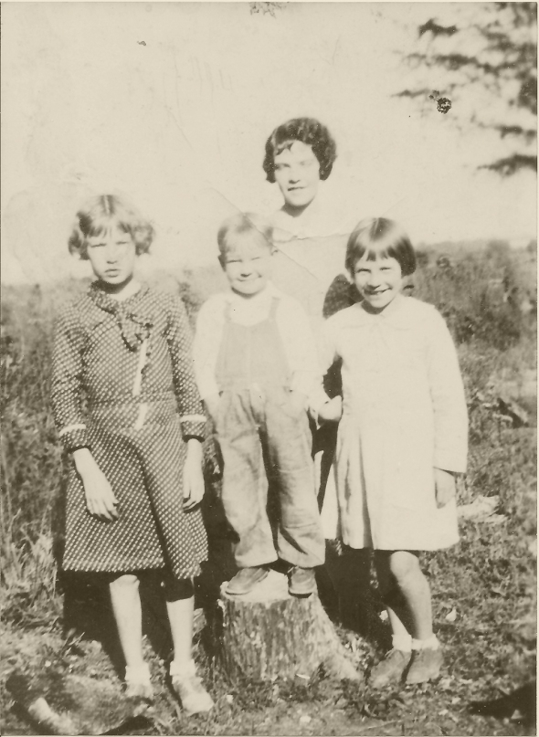 Slena Mae, Preston, RD, and Ellen Peebles 1934