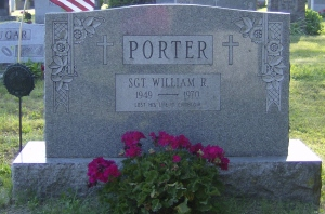 Photo of the gravemarker for Sgt Wiliam Roy Porter