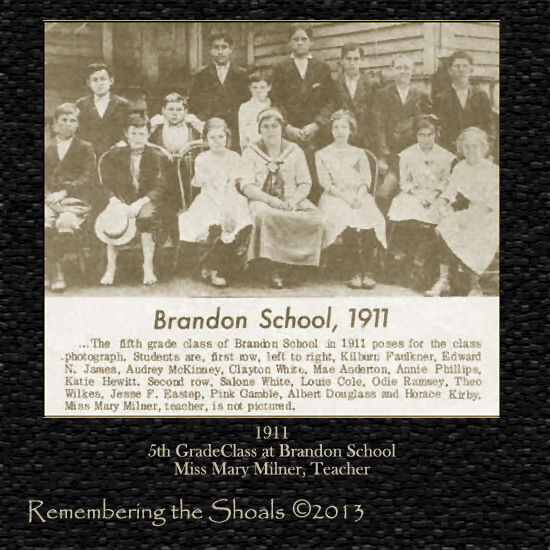 Photo of 1911 5th grade class at Brandon School