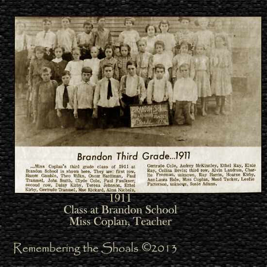 Photo of 1911 third grade Brandon School students
