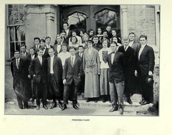 Photo of freshman class in year 1913