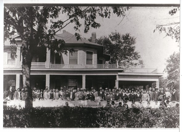 1930 Isbell Reunion at home of Levi Isbell