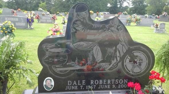 Dale Robertson gravemaker